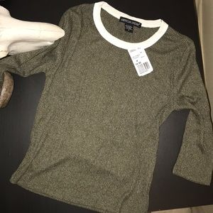 NWT Forever 21, size M, green quarter sleeve shirt
